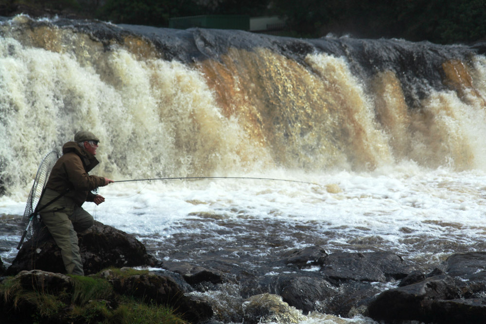 fishing-the-falls